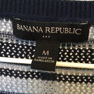 Banana Republic Tops - Banana Republic knitted top in blue stripes